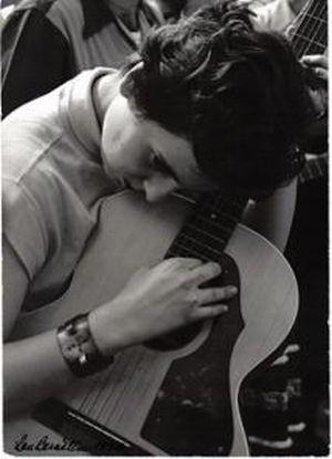 Guitarist, Washington