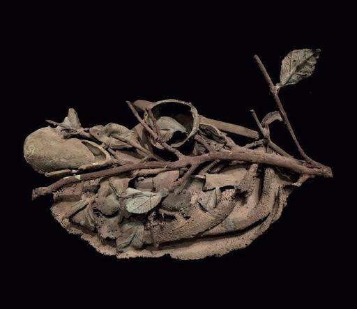 Alik CAVALIERE - Scultura Volume - Straccio con natura morta