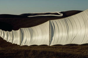 Wolfgang VOLZ - Photography - Running Fence, California (1976)