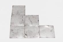 Carl ANDRE - Skulptur Volumen - Grimy Al Trine
