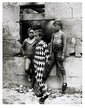 Lucien CLERGUE - Fotografia - Trio de Saltimbanques in Arles