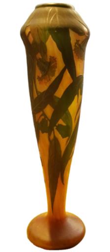 Vase en pâte de verre coloré par Daum Nancy