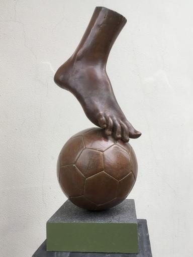 Viktor Ivanovich KORNEEV - Skulptur Volumen - Soccer