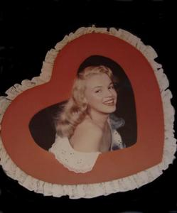 Bruno BERNARD - Fotografie - Marilyn Monroe in a chocolate factory advert