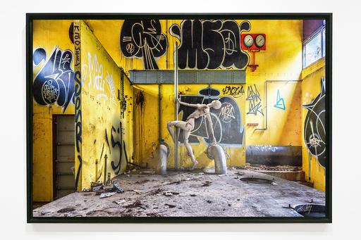 K-ARTY - Photography - Louisa pole dance