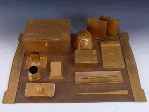Louis Comfort TIFFANY - Escultura - Schreibtischset