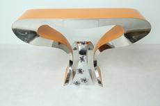 "Guillaume PIÉCHAUD - Sculpture-Volume - Console orange + precious stool ""shark"""