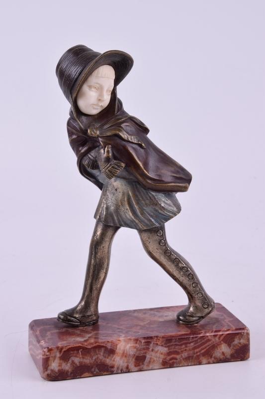 Alexandre KELETY - 雕塑 - Untitled (Girl Walking in the Wind)