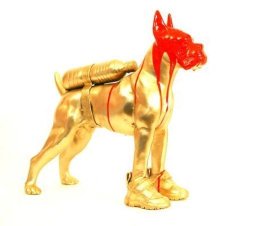 William SWEETLOVE - Sculpture-Volume - cloned bronze bulldog with bottle water