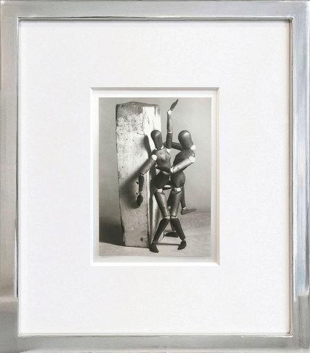 MAN RAY - Photo - Mr. and Mrs. Woodman #21
