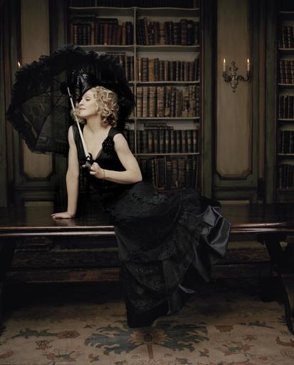 Lorenzo AGIUS - Photography - Madonna in the library