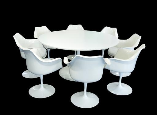 Eero SAARINEN - Tulip Table und 8 Tulip Chairs
