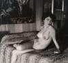 André DE DIENES - 照片 - Nu sur le lit - 1960