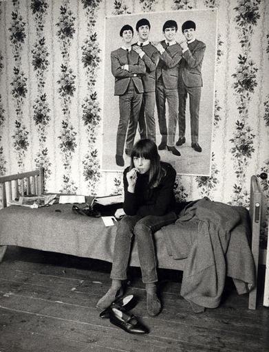 Harold CHAPMAN - Photo - Teen with Beatles Poster
