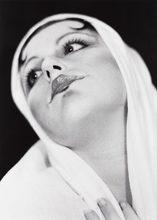 Cindy SHERMAN (1954) - Madonna