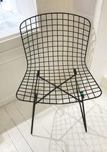 哈利.巴托亚 - Wire chair (c. 1970)
