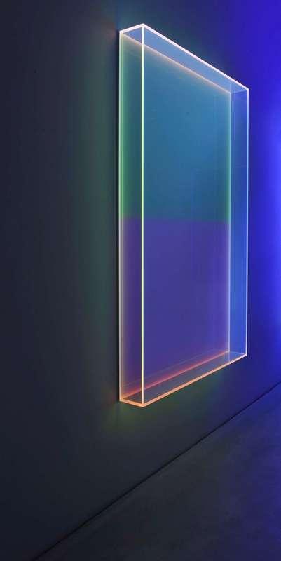 Regine SCHUMANN - Skulptur Volumen - Colormirror soft blue horizontal Milan