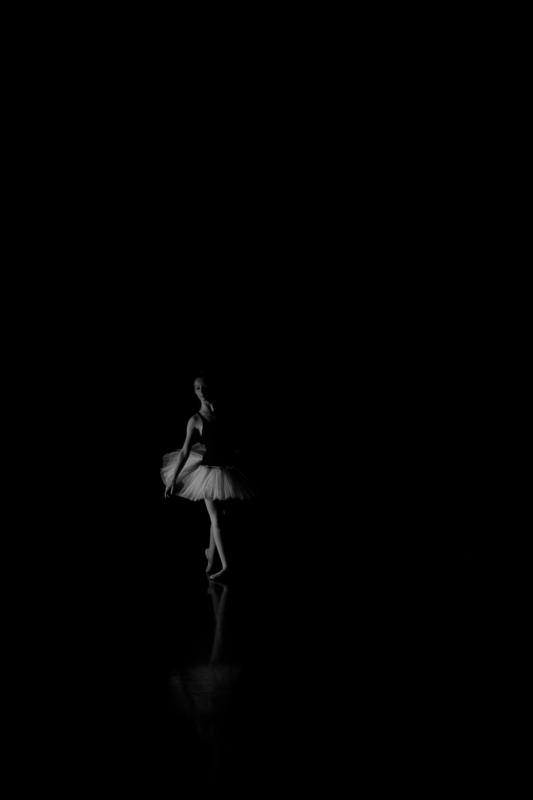 Hartmut DE MAERTELAERE - Photography - Ballerina    (Cat N° 6494)