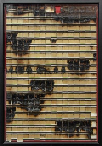 Bernard AUBERTIN - Painting - Fiammiferi bruciati su cartone su tavola