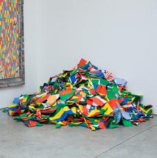 Pascale Marthine TAYOU - Escultura - Jpegafrica/Africagift