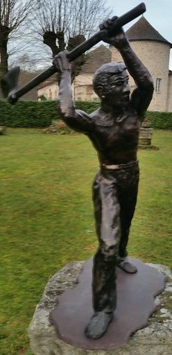 Renée BOUVIER - Sculpture-Volume - Le Bucheron