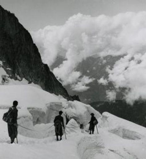 Emil MEERKÄMPER - Fotografie - Im zerklüfteten Bondasca-Gletscher. Bergeller Alpen.