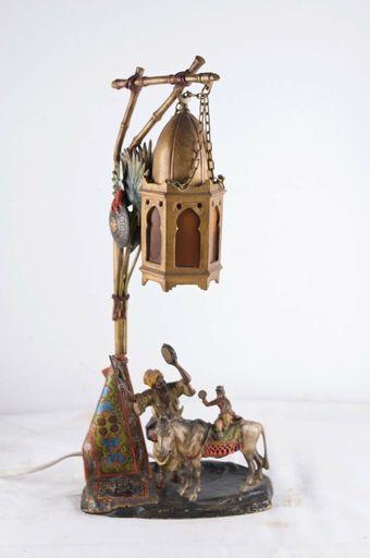 A. CHOTKA - Sculpture-Volume - Oriental figurative lamp