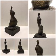 Henry MOORE - Escultura - Standing Girl