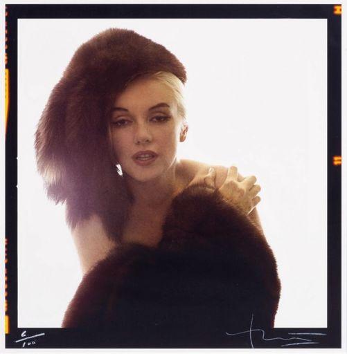 Bert STERN - Fotografia - Marilyn with fur hat