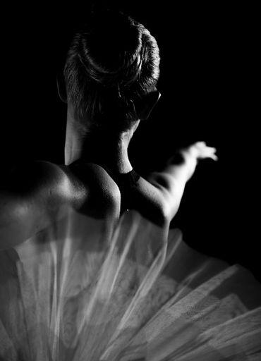 Hartmut DE MAERTELAERE - Photography - Ballerina    (Cat N° 6488)