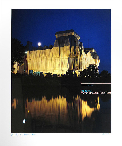 CHRISTO - Photography - Reichstag/Berlin III Wrapped