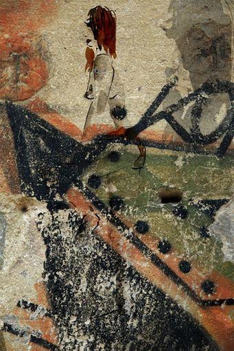 Aurélie LAFOURCADE - Peinture - Femme sur Mur graph