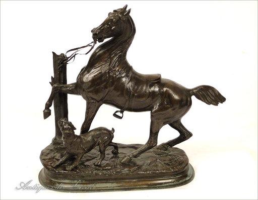 Édouard Paul DELABRIERRE - Escultura - Sculpture en bronze cheval et chien XIXè