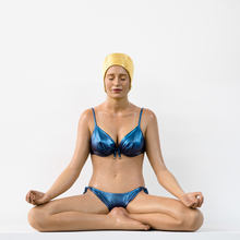 Carole FEUERMAN - Escultura - Miniature Balance with Gold Cap and Blue Bathing Suit