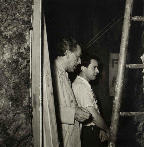 Denise BELLON - Photo - André Breton et Roberto Matta à la Galerie Maeght