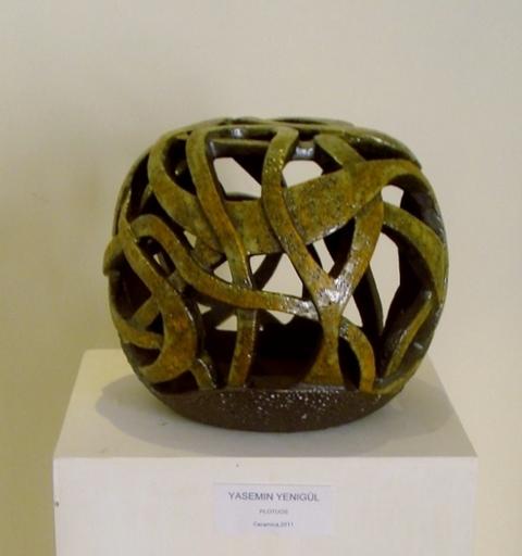 Yasemin YENIGUN BAKIRI - Ceramic - PLOTUOS