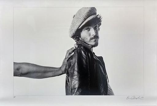 Eric MEOLA - Photo - Helping Hand, I