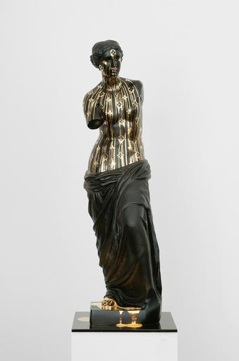 ZEVS - Sculpture-Volume - Golden Shower