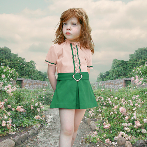 洛蕾塔·卢克斯 - 照片 - The Rose Garden
