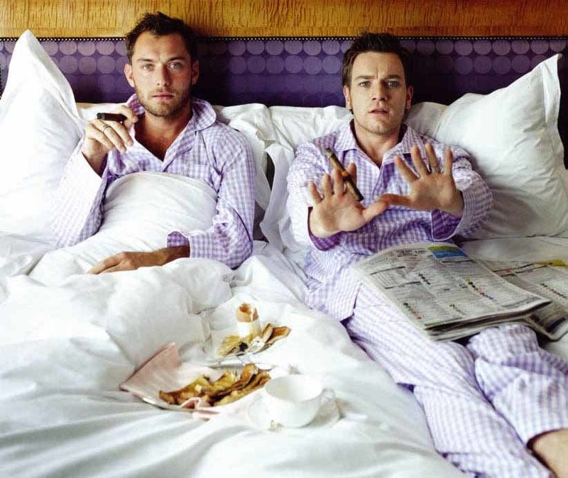 Lorenzo AGIUS - Photography - Jude and Ewan in bed