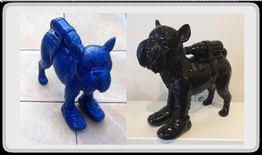 "William SWEETLOVE - Escultura - ""Cloned griffon bruxellois with pet bottle"" blue or black"