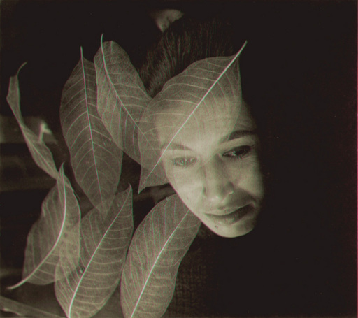 Imogen CUNNINGHAM - Photography - (Lady with leaves)