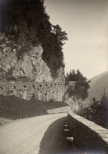 Hans Jakob SCHÖNWETTER - Photography - (mountain road)