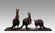 Guido RIGHETTI - Sculpture-Volume - TROIS KANGOUROUS GRIS