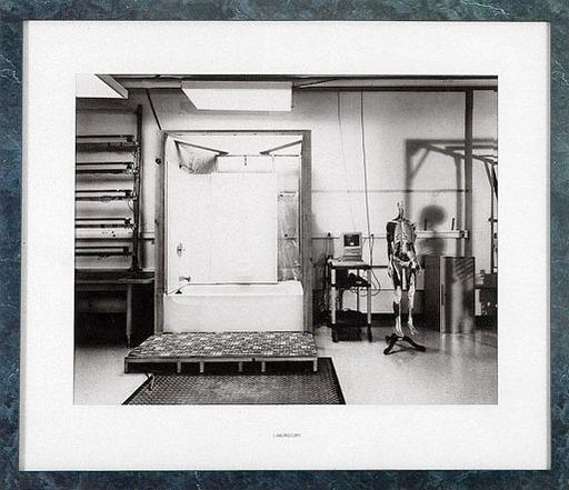 Lynne COHEN - Photo - Laboratory
