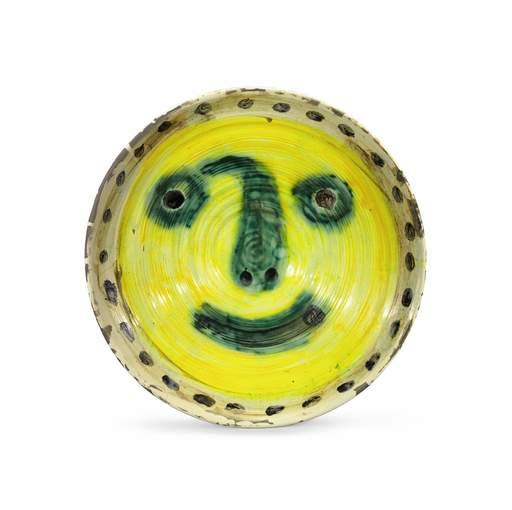 Pablo PICASSO - Ceramic - Visage sur fond jaune. Au verso quatre études de visage.