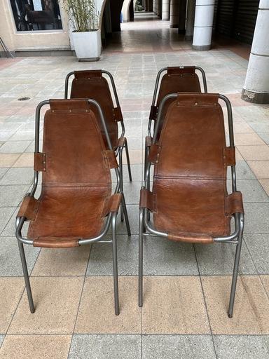 Charlotte PERRIAND - Suite de 4 chaises mythiques pour les arcs
