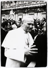 Andy WARHOL - Photo - His Holiness Pope John Paul II, St. Peter's Square, Rome