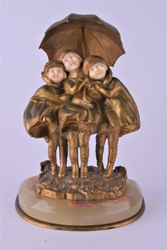 Dimitri CHIPARUS - Sculpture-Volume - Children under umbrella