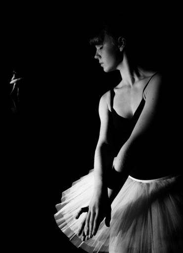 Hartmut DE MAERTELAERE - Photography - Ballerina    (Cat N° 6498)